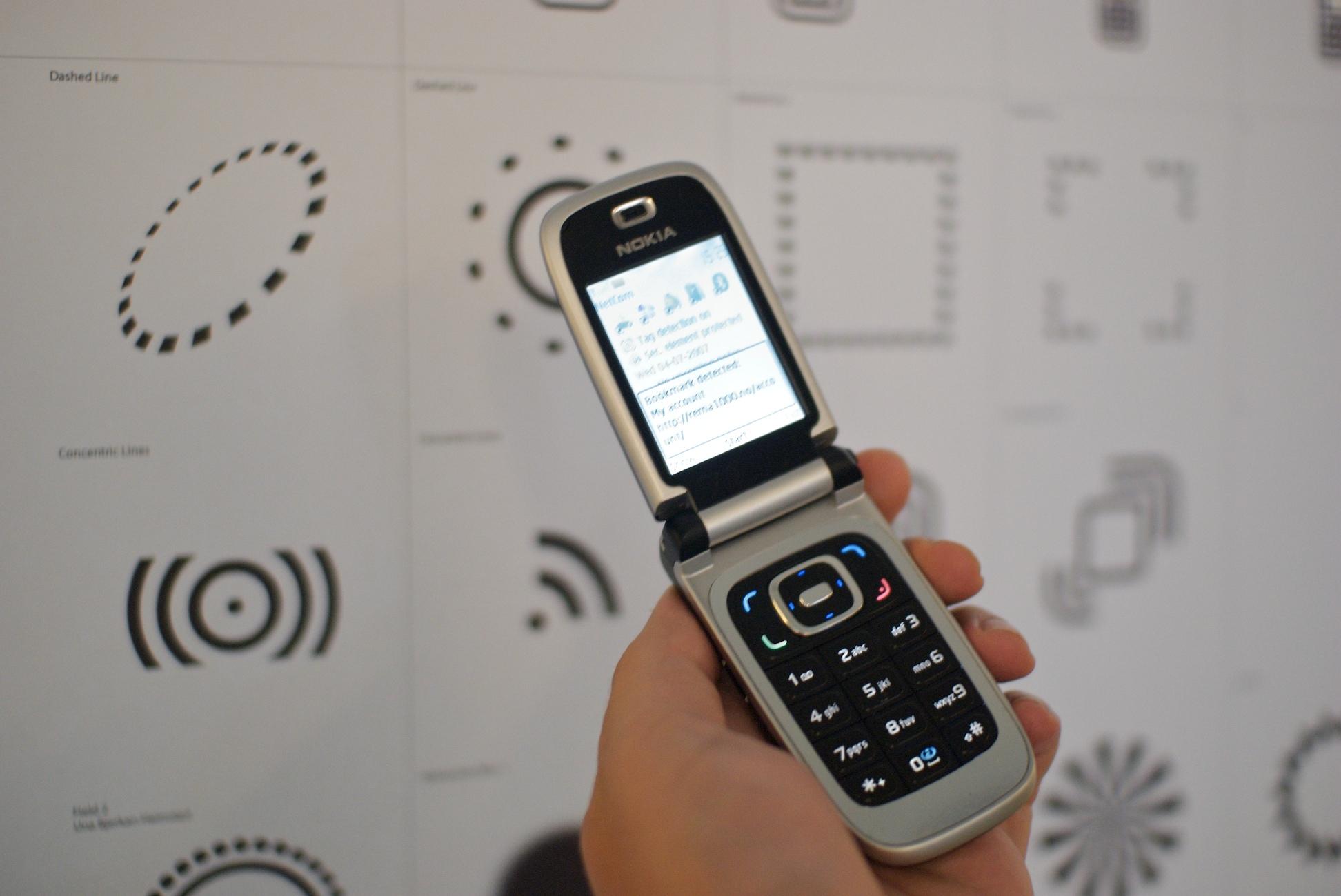Nahfunktechnik macht es möglich, Zusatzinformationen über Produkte auf dem Smartphone zu erhalten – Werbeagentur Karlsruhe